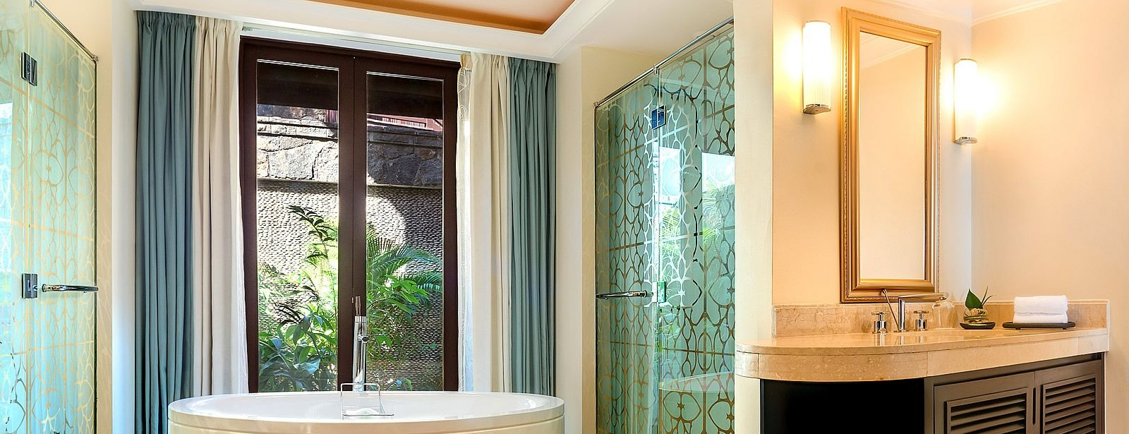 Westin Turtle Bay Mauritius Beachfront Deluxe Bathroom